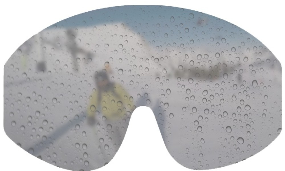keep ski goggles from fogging