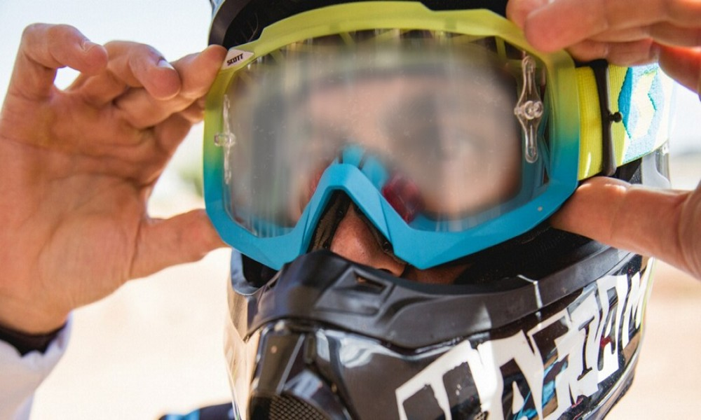 How to Keep Ski Goggles from Fogging